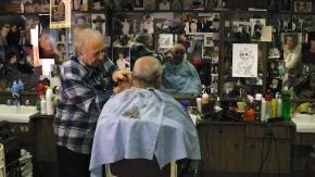 Il barbiere di Totò, che porta la musica dove c'èsofferenza